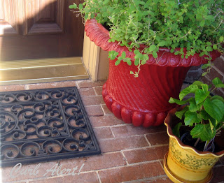 Curb Alert! How to disguise a Return Air Vent for $20 via http://tamicurbalert.blogspot.com