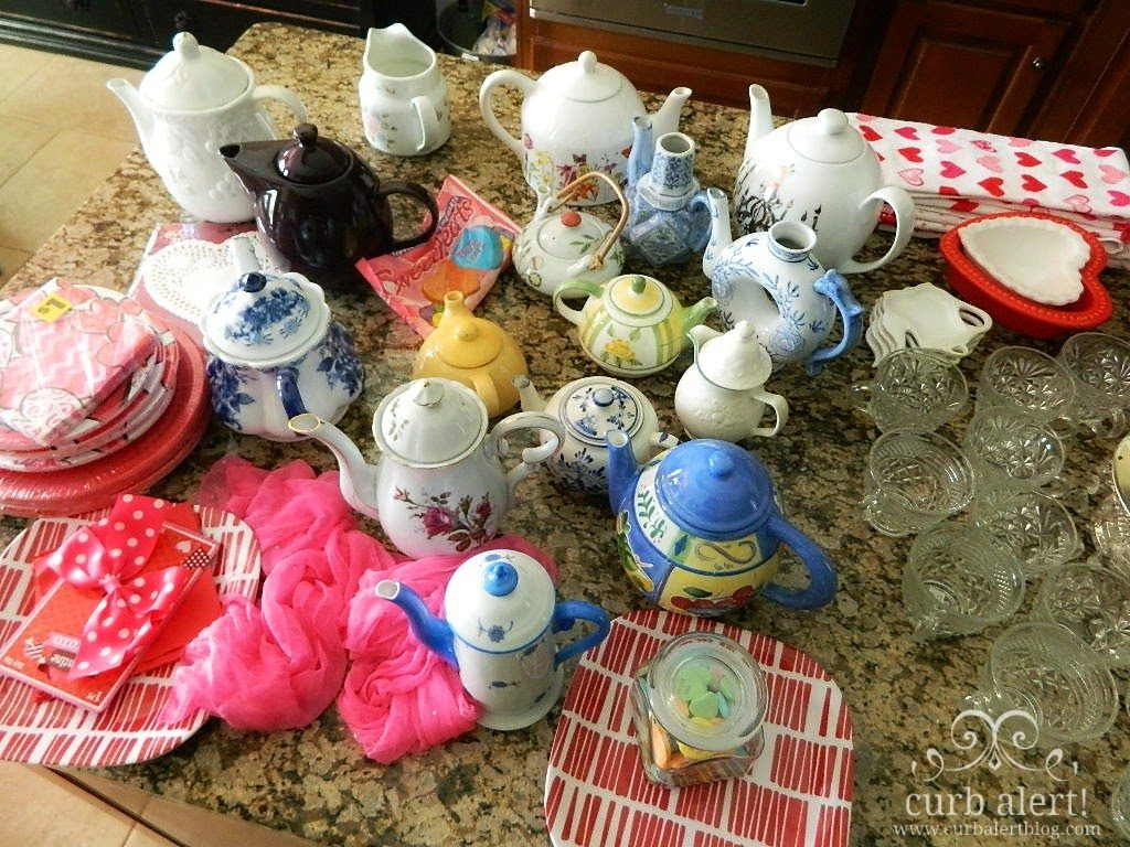 Tea Party Ideas for Little Girls via Curb Alert! Blog https://www.curbalertblog.com/2014/03/tea-party-ideas-for-little-girls.html