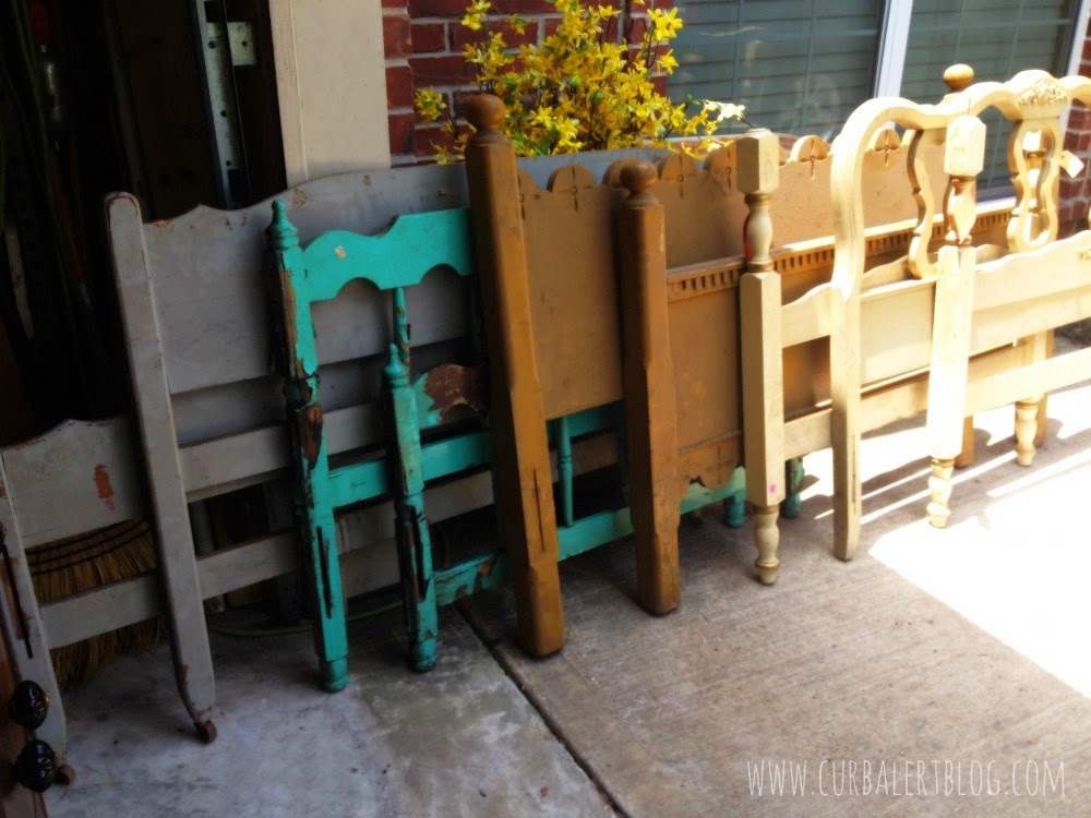 Nautical Headboard Bench Makeover with Annie Sloan Chalk Paint and Minwax Stain via Curb Alert! http://www.curbalertblog.com