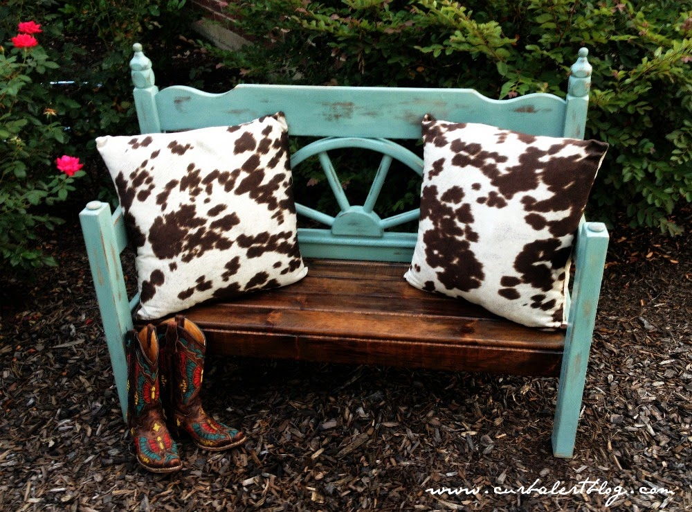 Rustic Western Headboard Bench Makeover with Annie Sloan Chalk Paint and Minwax Stain via Curb Alert! https://www.curbalertblog.com
